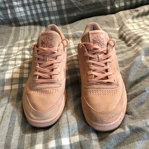 Other - reebok classic (suede baby pink)
